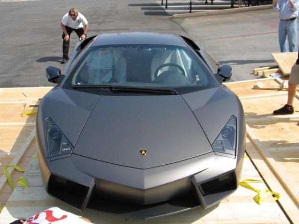 125 Η Unboxing της Lamborghini Reventon (17 φωτογραφίες)