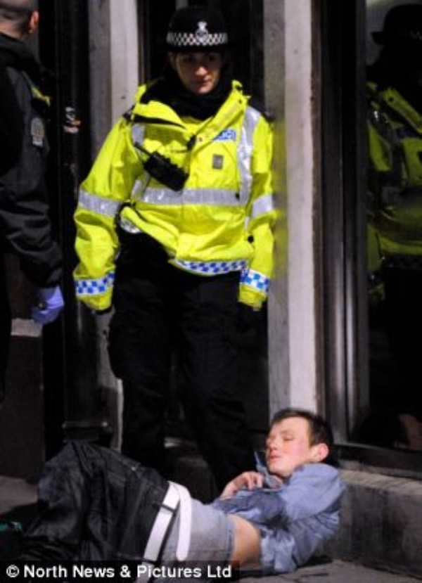 14 New Years Chaos in England (24 photos)