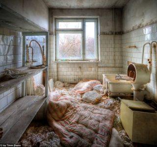 Inside Chernobyl's Abandoned Hospital (15 photos)