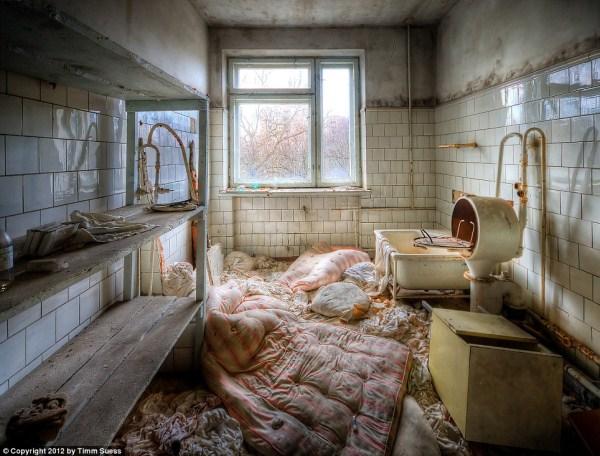Inside Chernobyl's Abandoned Hospital (15 photos) 14