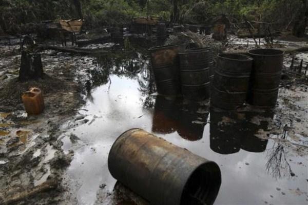 1520 Oil Thieves in Nigeria (30 photos)