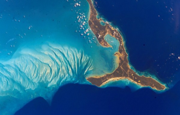 1613 Waters From Space (25 photos)