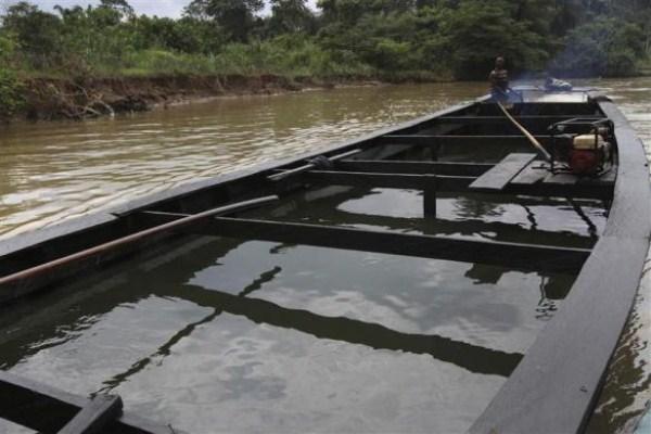 1619 Oil Thieves in Nigeria (30 photos)