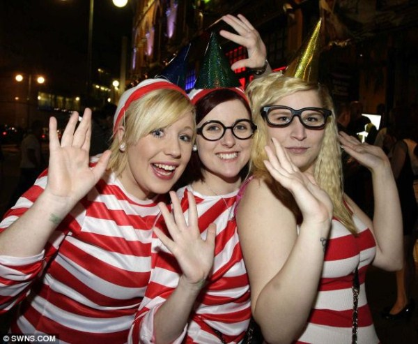 17 New Years Chaos in England (24 photos)