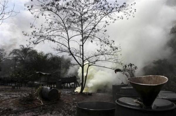 1716 Oil Thieves in Nigeria (30 photos)