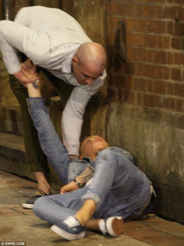 18 New Years Chaos in England (24 photos)