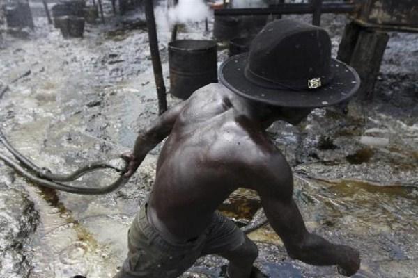 1815 Oil Thieves in Nigeria (30 photos)