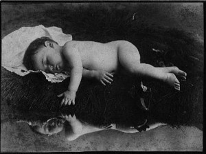 Victorian Photographs of the Deceased Relatives (39 photos) 19