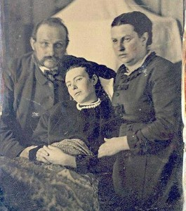 Victorian Photographs of the Deceased Relatives (39 photos) 2