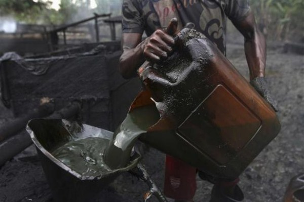 2414 Oil Thieves in Nigeria (30 photos)