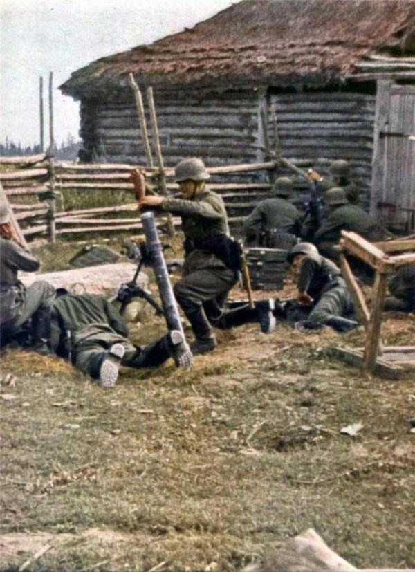 264 World War 2 Color Photos (55 photos)
