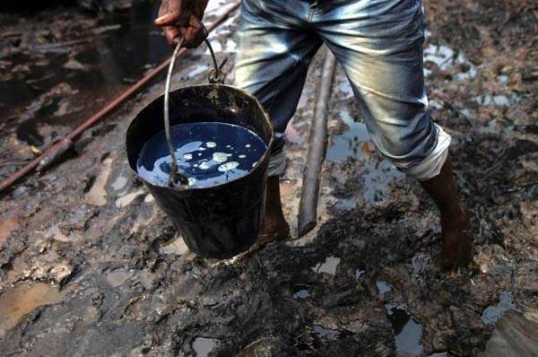 3113 Oil Thieves in Nigeria (30 photos)