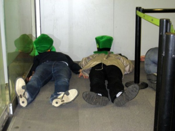 Sleeping in Airports (35 photos) 32