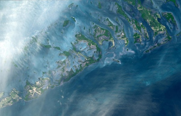325 Waters From Space (25 photos)