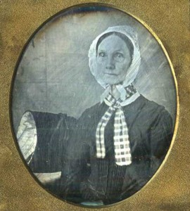 Victorian Photographs of the Deceased Relatives (39 photos) 32