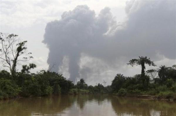 338 Oil Thieves in Nigeria (30 photos)