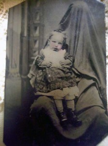 Victorian Photographs of the Deceased Relatives (39 photos) 34