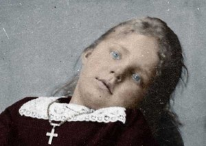 Victorian Photographs of the Deceased Relatives (39 photos) 36