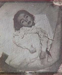 Victorian Photographs of the Deceased Relatives (39 photos) 38