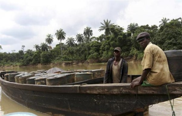 624 Oil Thieves in Nigeria (30 photos)