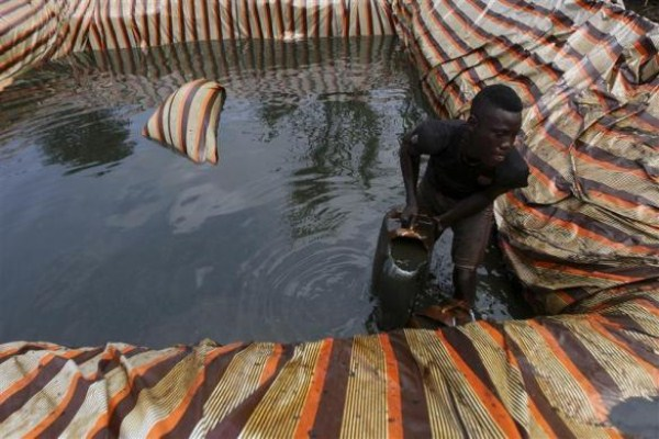 922 Oil Thieves in Nigeria (30 photos)