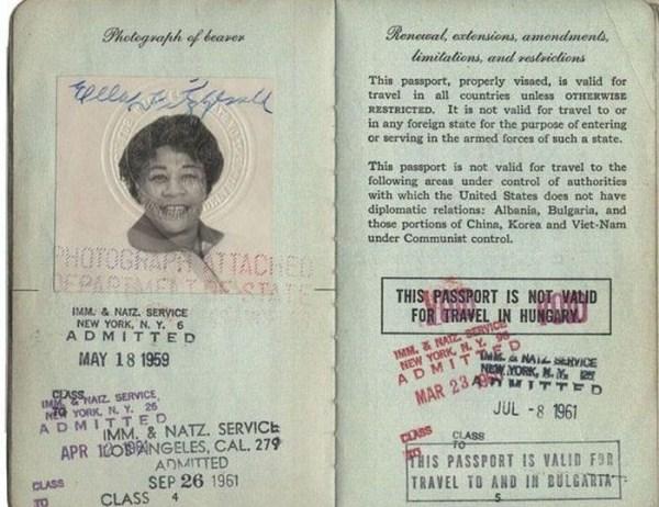 1020 Passports of Fаmоus Реоple (17 photos)