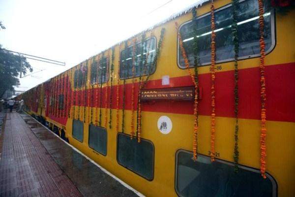 1060 Η Superfast διώροφο τρένο (13 φωτογραφίες)