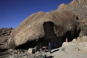 Man Who Lives Under A Rock (11 photos) 1
