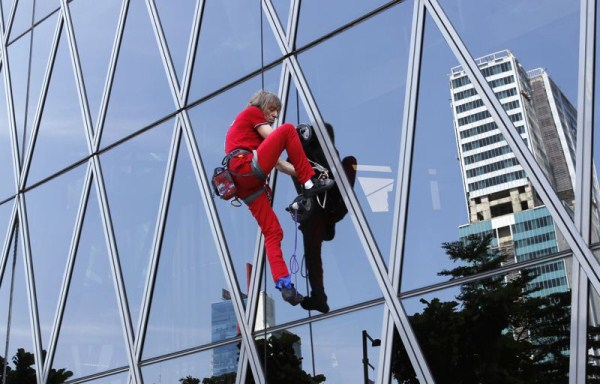 1112 Alain Robert   The French Spiderman (20 photos)