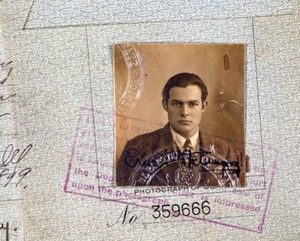 1124 Passports of Fаmоus Реоple (17 photos)