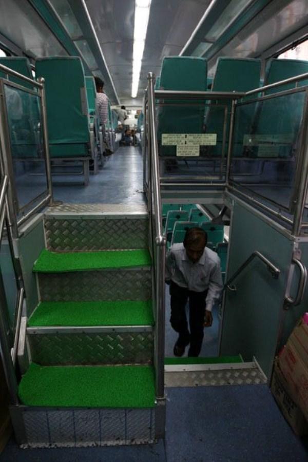 1199 Η Superfast διώροφο τρένο (13 φωτογραφίες)