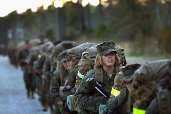 1200 Γυναίκα πεζοναύτες των ΗΠΑ (30 φωτογραφίες)