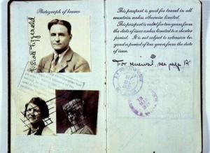Passports of Fаmоus Реоple (17 photos) 12