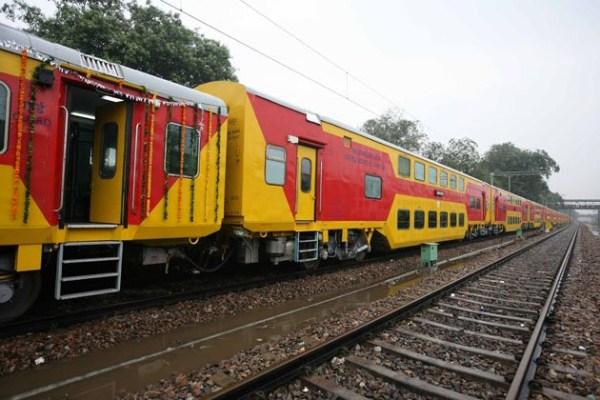1256 Η Superfast διώροφο τρένο (13 φωτογραφίες)