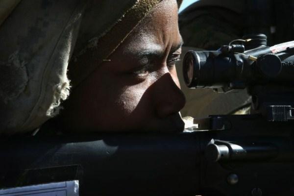 1257 Γυναίκα πεζοναύτες των ΗΠΑ (30 φωτογραφίες)