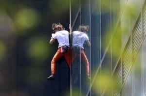Alain Robert - The French Spiderman (20 photos) 12