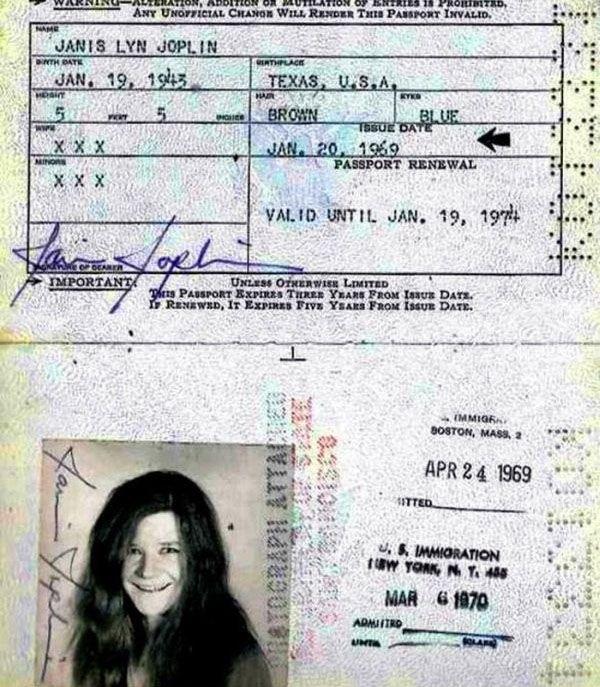 1317 Passports of Fаmоus Реоple (17 photos)