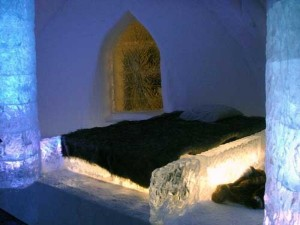 Ice Hotel in Canada (24 photos) 14