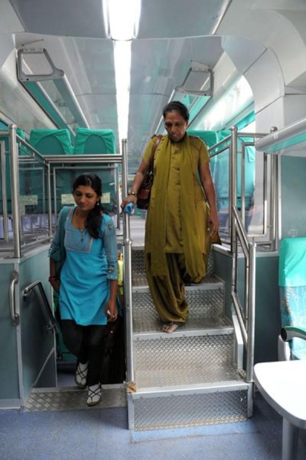 1352 Η Superfast διώροφο τρένο (13 φωτογραφίες)