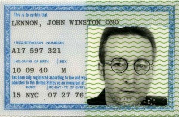 1415 Passports of Fаmоus Реоple (17 photos)