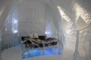 Ice Hotel in Canada (24 photos) 15