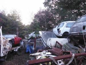 Car Cemetery in Japan (38 photos) 15