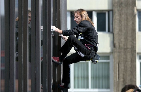 Alain Robert - The French Spiderman (20 photos) 18