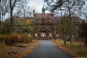 The Hospital of Horror (52 photos) 2