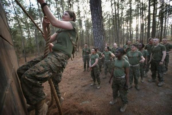 2149 Γυναίκα πεζοναύτες των ΗΠΑ (30 φωτογραφίες)