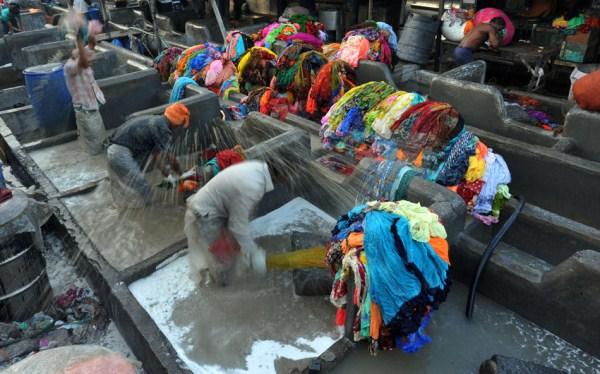 Δημόσια 236 Σύστημα Πλυντήριο ρούχων στην Ινδία (16 φωτογραφίες)