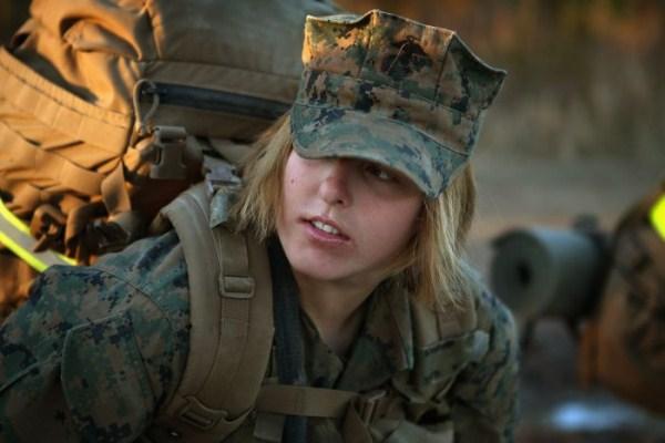 2620 Γυναίκα πεζοναύτες των ΗΠΑ (30 φωτογραφίες)