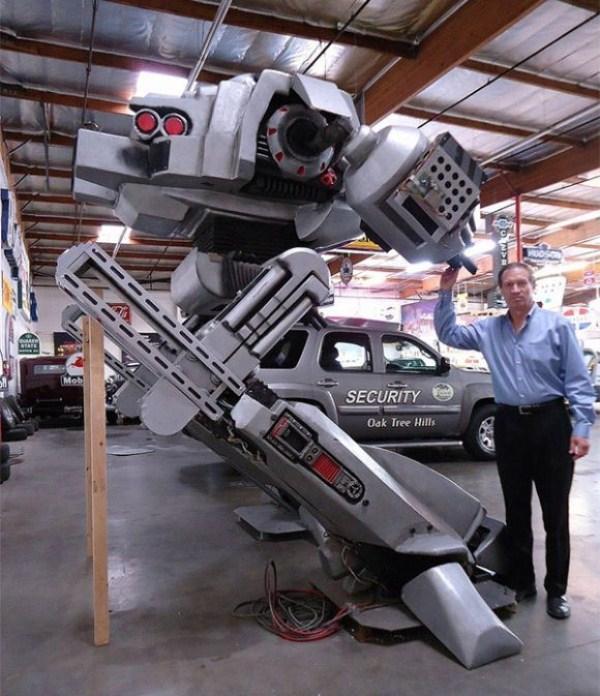 269 Full Size Robocop ED 209 (4 photos)