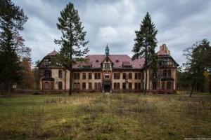 The Hospital of Horror (52 photos) 27