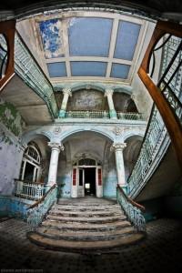 The Hospital of Horror (52 photos) 28